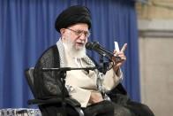 Under 'Maximum Pressure', Iran Turns To China And Russia