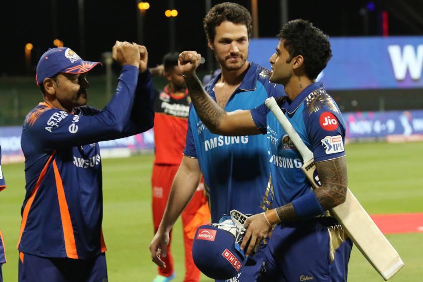 IPL: Ravi Shastri's 'Surya Namaskar' A Dig At India's Cricket Selectors For Snubbing Suryakumar Yadav?