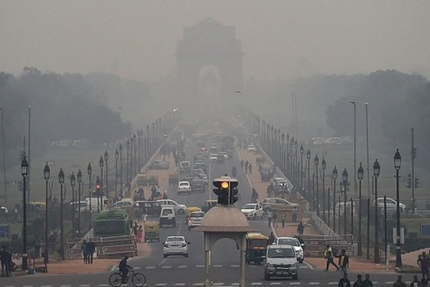Delhi Sees Sharp Rise In Air Pollution, AQI Borders 'Severe' Category