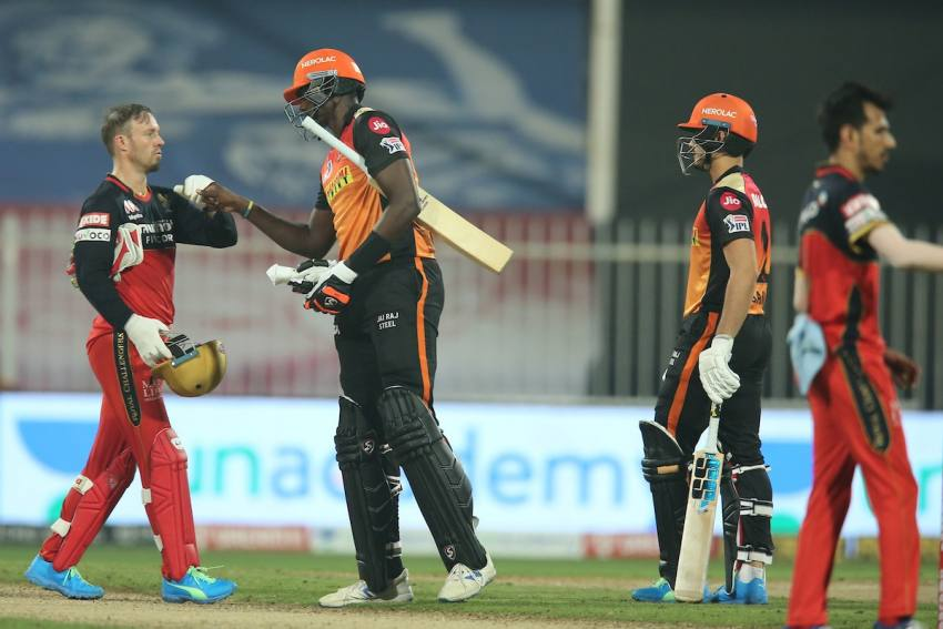 IPL 2020: Jason Holder Cameo Sets Up SRH Win After Bowlers Choke RCB-Highlights
