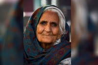 In The TIME Of Bilkis Bano As Dadi Cool
