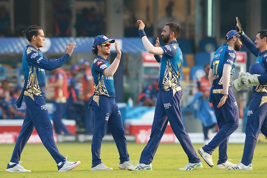 IPL 2020, MI Vs SRH: Catches Win Matches! Mumbai Indians Ride All-Round Show To Rout SunRisers Hyderabad - Highlights