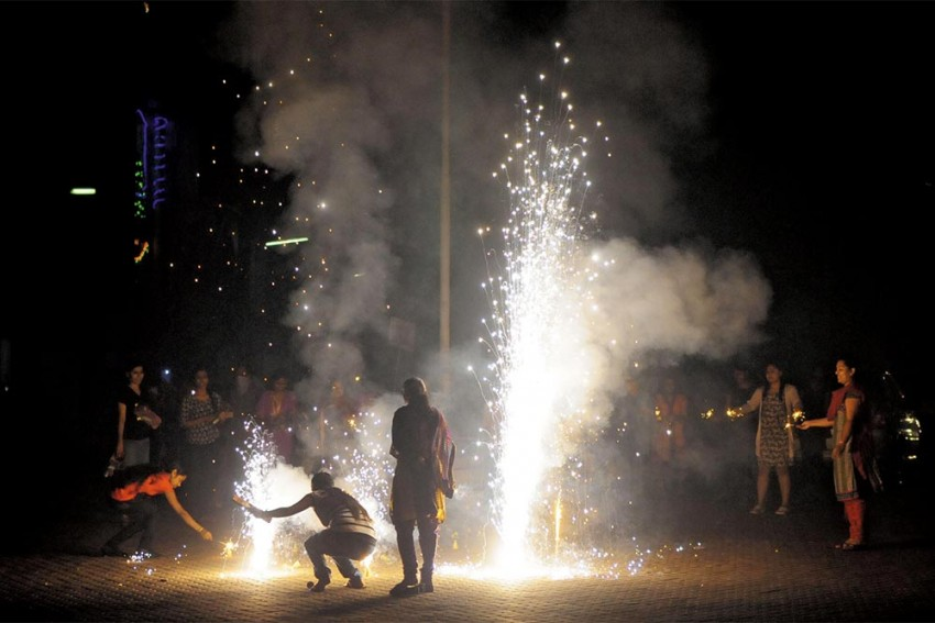 Delhi's Air Quality Back To 'Severe'; Diwali Firecrackers Add To Misery