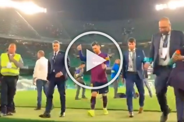 Lionel Messi S Barcelona Debut Anniversary Camp Nou Great S Finest Club Goals Watch