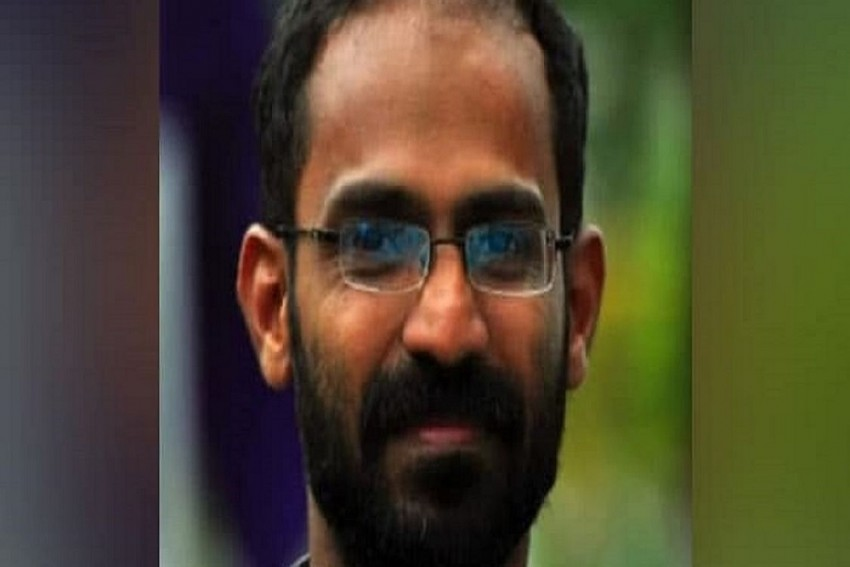 SC Issues Notice On Plea Against Arrest Of Kerala Scribe On Way To Hathras