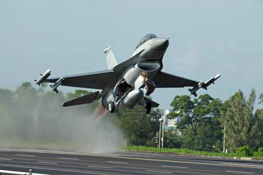 Taiwan Grounds All F-16 Fighter Jets For Checks After One Goes Missing