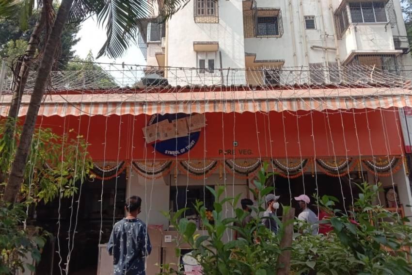 Shiv Sena Worker Asks 'Karachi Sweets' Owner In Bandra To Change Shop's Name