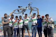 Nashik Boy Om Mahajan Cycles From Kashmir To Kanyakumari In Eight Days, Sets Record