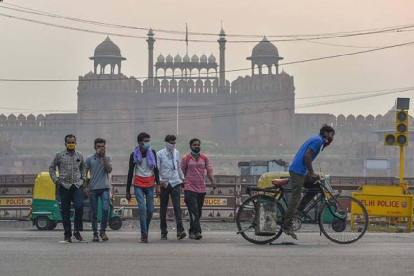 Delhi Records Coldest November Morning In 17 Years As Cold Wave Sweeps Parts Of City