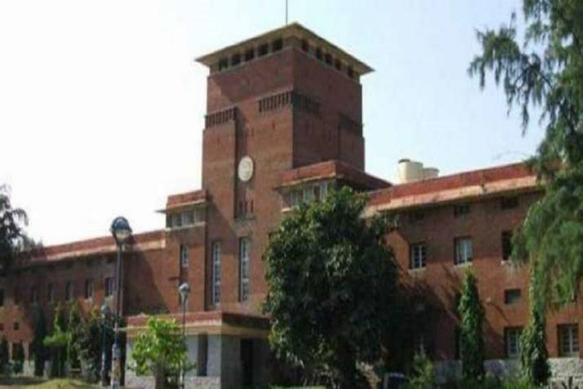 LSR Suicide Case: DU Colleges Amp Up Efforts To Help Students With Fee Suuport, Laptops