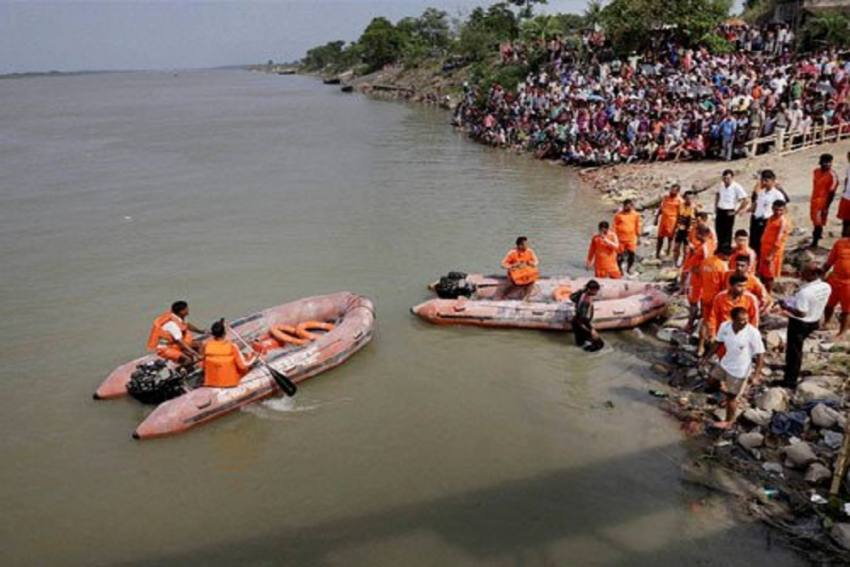Nine Lorries Fall Into Ganga From Vessel In Bengal, 7-8 People Missing