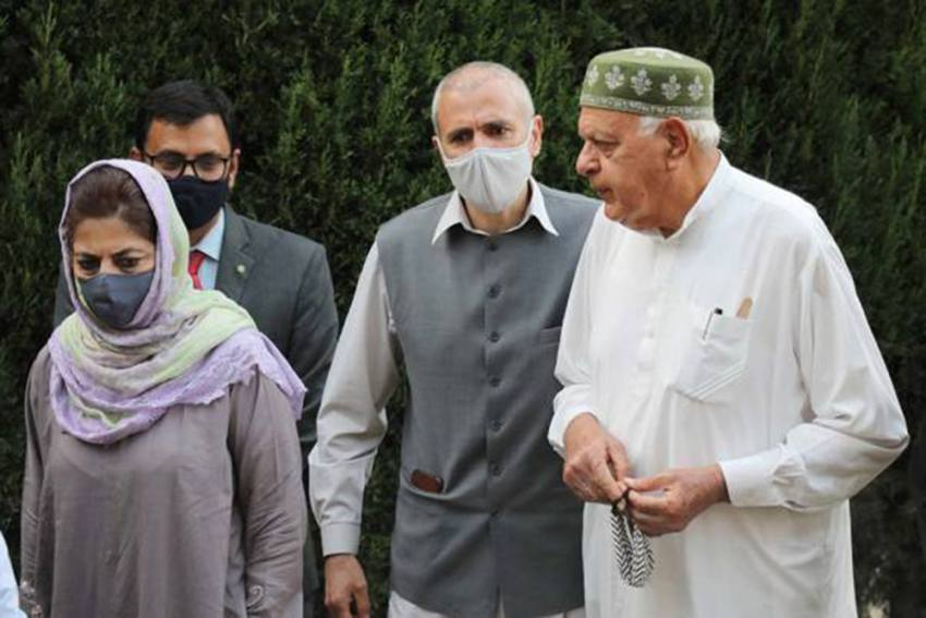 US Embassy Diplomats Meet J&K Political Leaders