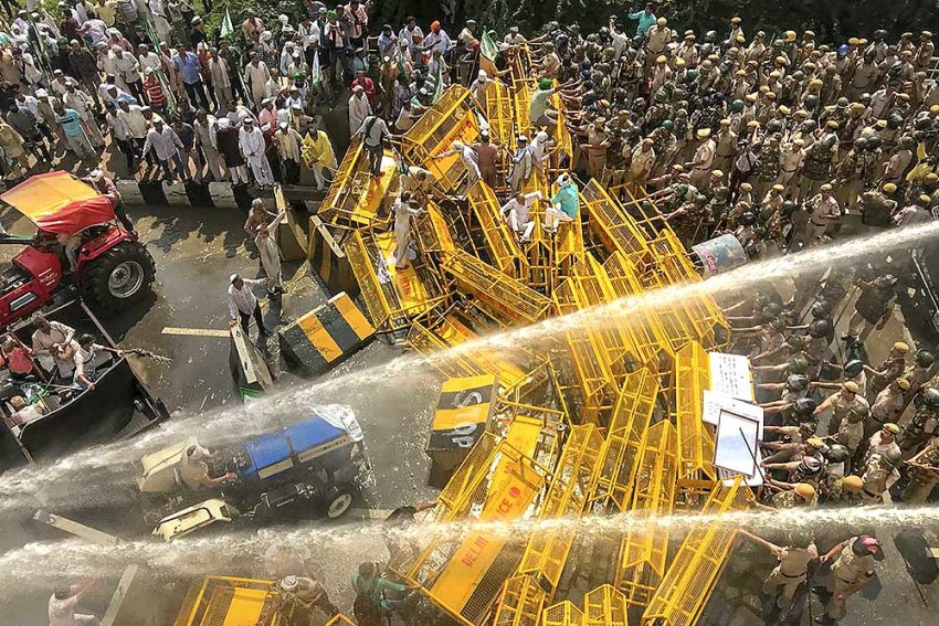 Farmers Brave Water Cannons, Tear Gas, Home In On Delhi