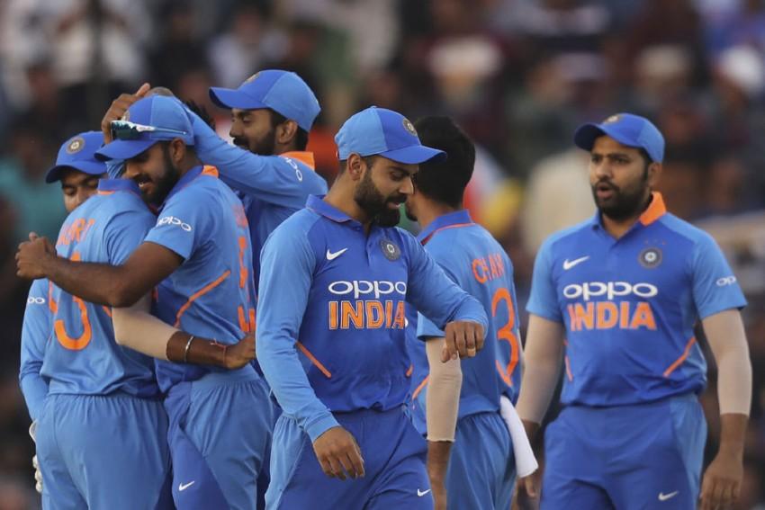 India Vs Australia: Quarantine Over, Indian Team Checks Into New Hotel On Eve Of First ODI