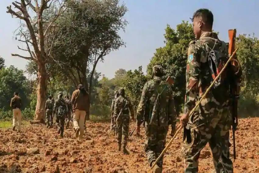 Chhattisgarh: 1 CRPF Commando Killed, 9 Others Injured In IED Blast By Naxals