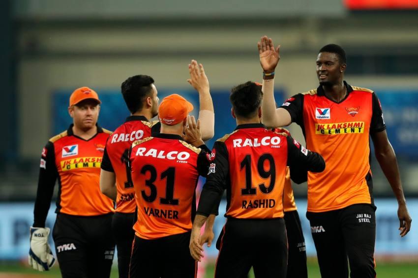 Sunrisers Hyderabad Or Kolkata Knight Riders - Who Will Win Fourth Berth In IPL Playoffs?