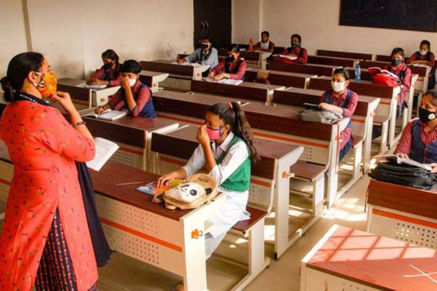829 Teachers And 575 Students Test Positive For Covid-19 In Andhra Pradesh