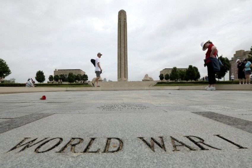 Indians Urged To Name Star In Memory Of Killed World War Soldiers