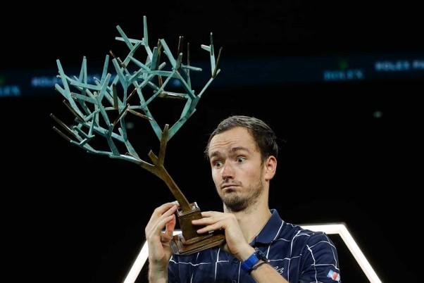 Daniil Medvedev Beats Alexander Zverev To Win His First Paris Masters Final