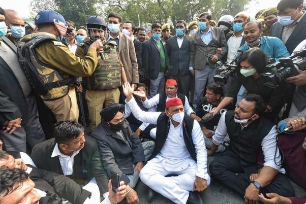 Akhilesh Yadav Accuses BJP Govt Of Exploiting Farmers
