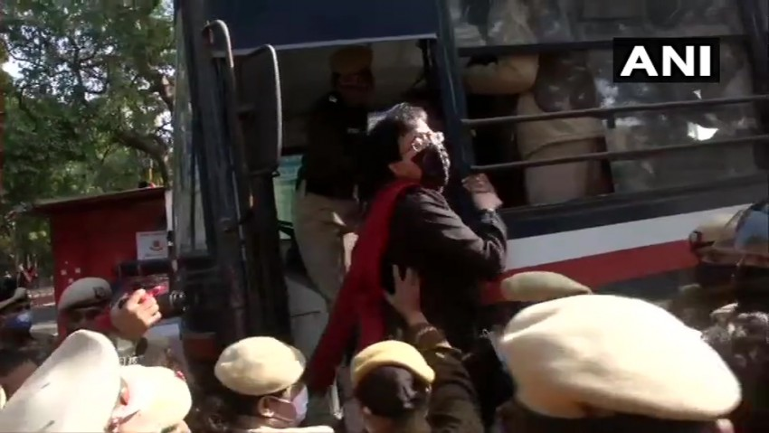 Raghav Chadha, Atishi, Three Other AAP MLAs Detained Outside Amit Shah's And Baijal's Residence
