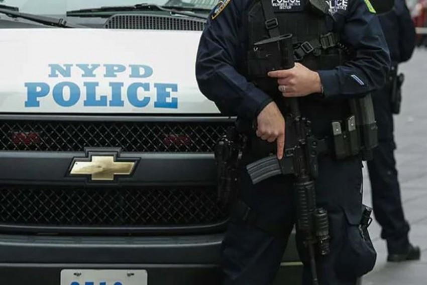 New York Police Shoots Gunman Who Opened Fire At Christmas Concert