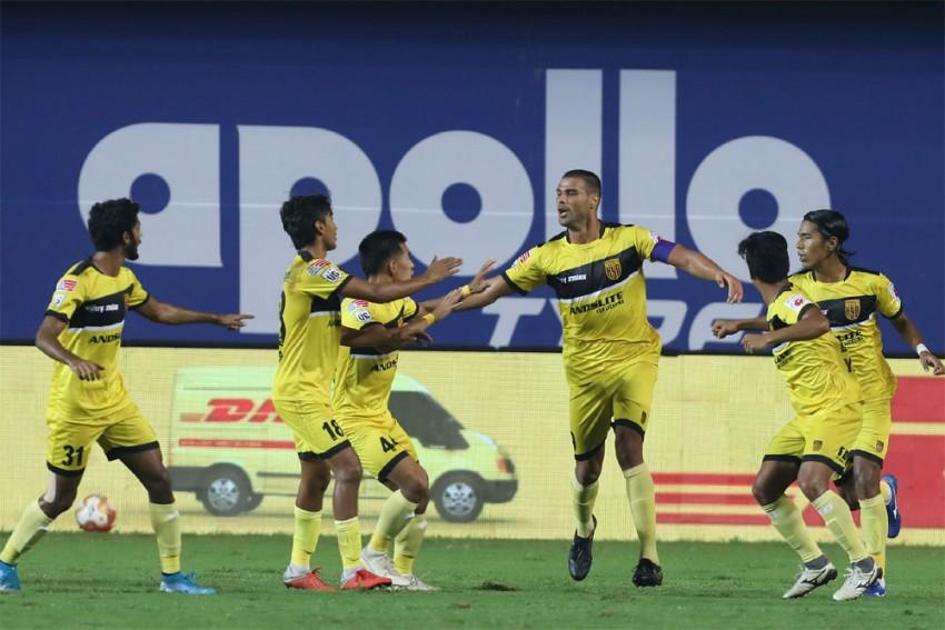 ISL 2020-21: Crazy Aridane Santana Double Sinks SC East Bengal As Hyderabad FC Get Another Win - Match 29 Report