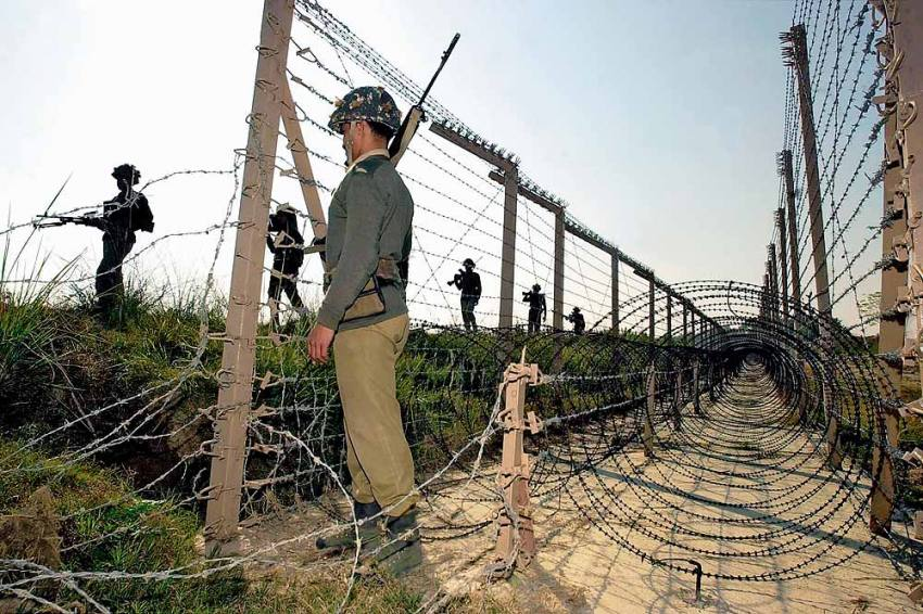 Indian Army 'Deliberately' Targeted UN Vehicle At LoC: Pakistan Army