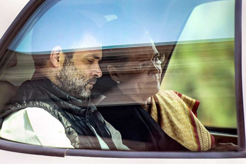 Ready For Any Responsibility Given By Party: Rahul At Sonia's Crucial Meet With Cong 'Rebels'