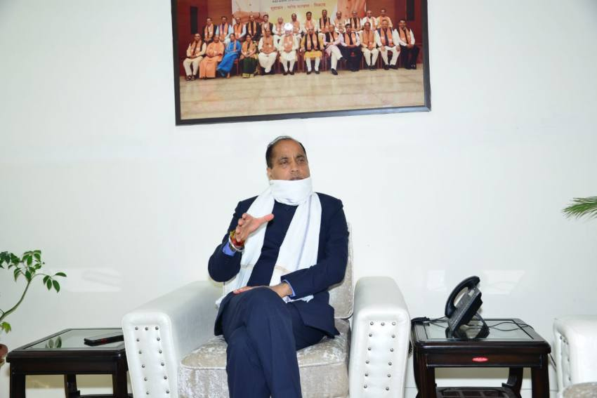 Himachal CM Reads Officials, Police The Covid-19 Riot Act