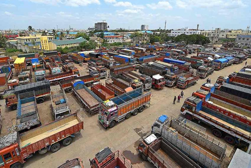 Transporters Threaten To Halt Operations In North India From Dec 8 In Support Of Farmers