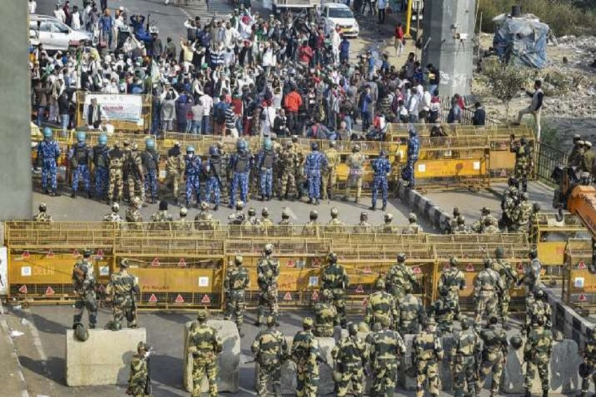 Farmers' Protest: Heavy Police Force Deployed, 3 More Delhi Border Points Closed