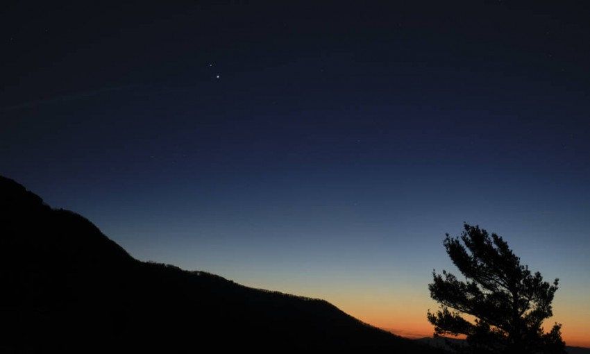 Jupiter, Saturn To Appear As One Big Star In Night Sky On Dec 21; Here's All You Need To Know