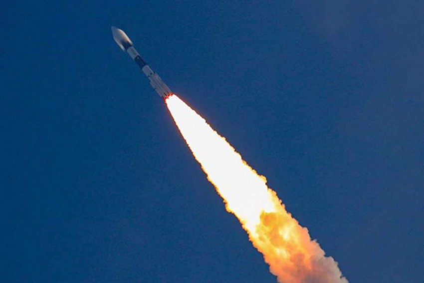 China's New Space Carrier Successfully Launches Five Satellites Into Orbit