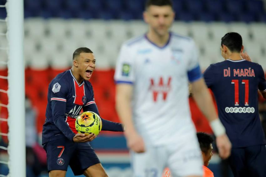 Paris Saint-Germain 4-0 Strasbourg: Kylian Mbappe Sparks Late Flurry But Champions End Year Third