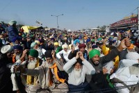 Don't Treat Us Like Beggars, Protesting Farmers Tell Centre