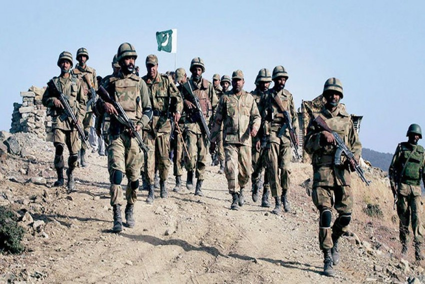 7 Soldiers Killed In Terrorist Attack At Pakistan Checkpoint In Balochistan
