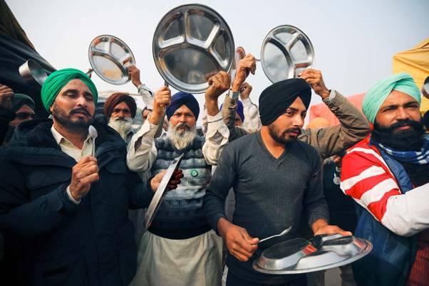 Protesting Farmers In Punjab, Haryana Clang 'Thalis' During PM Modi's 'Mann Ki Baat'