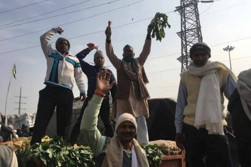 Watch: Protesting Farmers Vandalise Over 1,500 Telecom Towers In Punjab