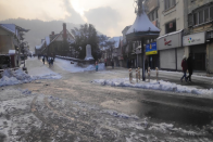 Snowfall Charms Shimla; Brings Cheer To Tourists Celebrating Christmas And New Year