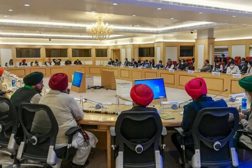 Meeting With Farmers Remains Inconclusive, Next Meeting Likely On Dec 5