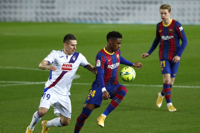 Barcelona 'Need A Thousand Chances To Score', Complains Junior Firpo