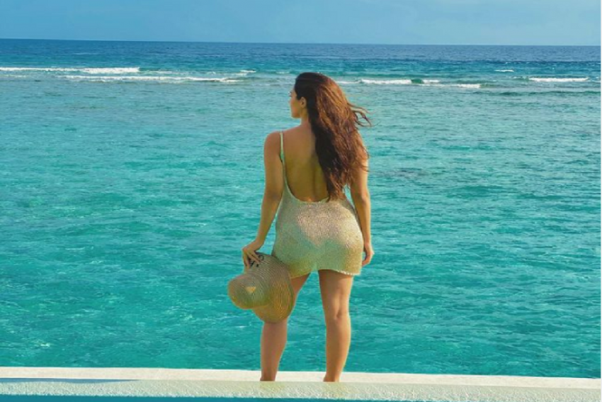 Where Is Sidharth? Kiara Advani's New Maldives Pic Has People Wondering