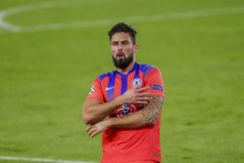 He Is Forced To Fight Against Everyone – Didier Deschamps Lauds Four-goal Olivier Giroud
