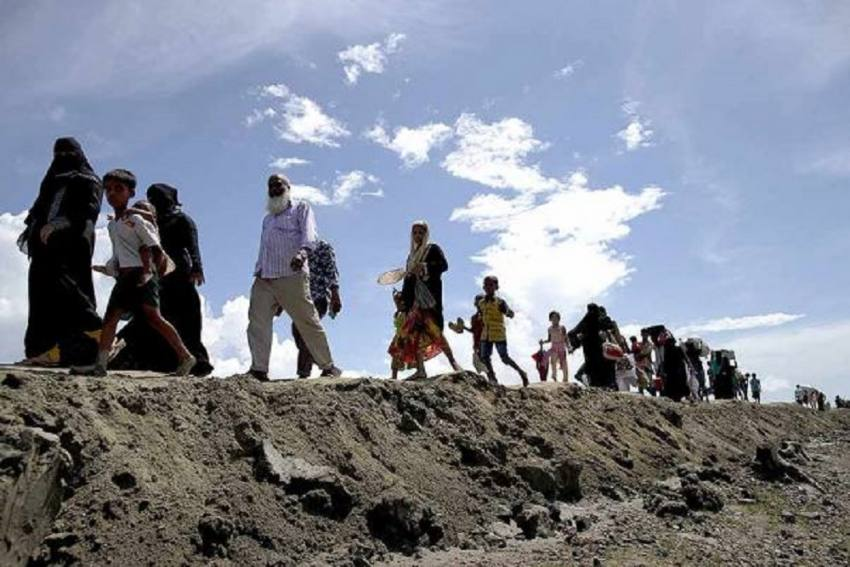 Bangladesh Shifts 1,600 Rohingyas To Cyclone-Prone Island, Rights Groups Express Reservation