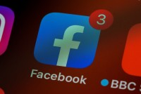 US Sues Facebook For Allegedly Favouring Immigrants Over US Workers