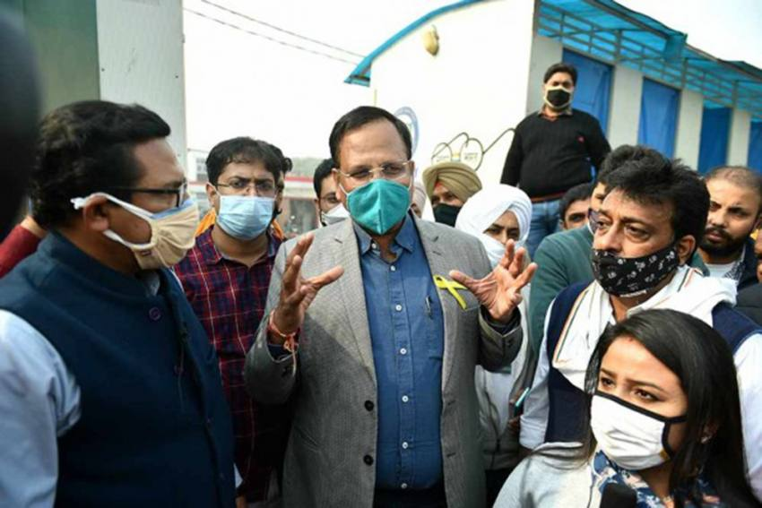 Delhi Minister Satyendar Jain Visits Singhu Border, Says AAP Stands With Protesting Farmers