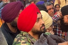 Diljit Dosanjh Joins Protest In Delhi, Requests Govt To Accept Farmers' Demands