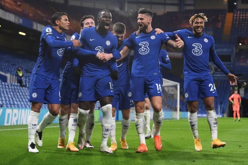 EPL: Goals from Olivier Giroud And Kurt Zouma Send Blues Top As Chelsea Beat Leeds United