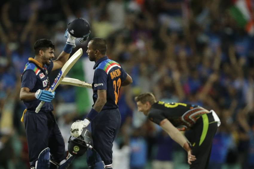 Australia Vs India, 3rd T20I Live Streaming: How To Watch -- Likely Playing XIs, Team News, Pitch And Weather Report